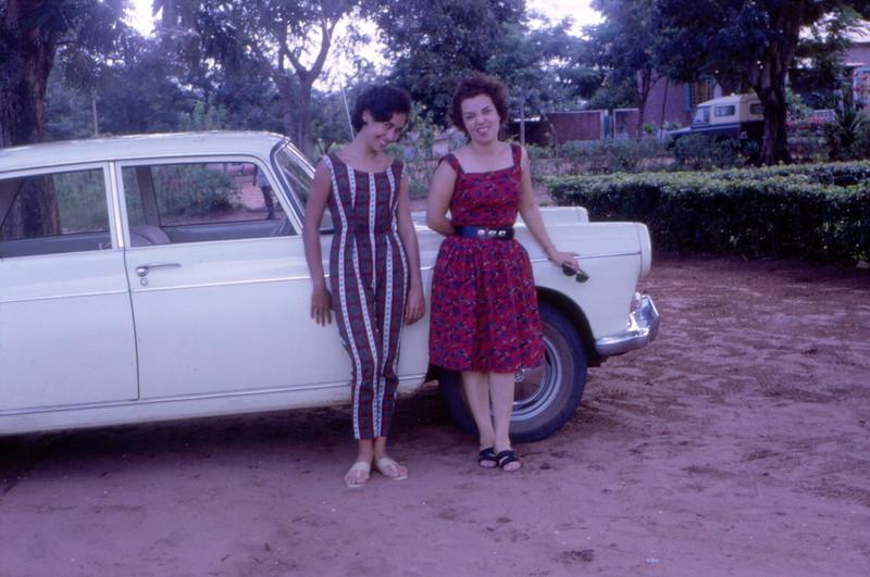 1964, Zizi Valente e Maria Joao Santos David