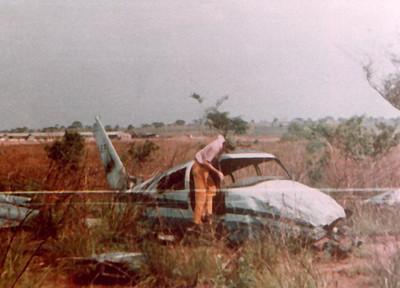 Cessna 310 CR - LEF (pássaro azul) acidentado