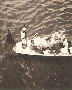 Chegada a Luanda - 1942  - Uma leoa e 2 caes a bordo