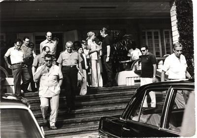 Partida da K-18 para o aéroporto do Chitato, na despedida