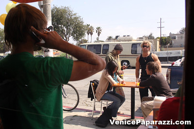 03 15 09  Flake's One Year Anniversary  512 Rose Ave   Venice, Ca www veniceflake com  31 0396 2333 (19)