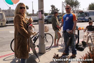 03 15 09  Flake's One Year Anniversary  512 Rose Ave   Venice, Ca www veniceflake com  31 0396 2333 (18)