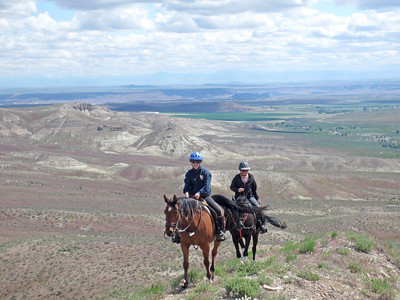 Two trail riders in Owyhee