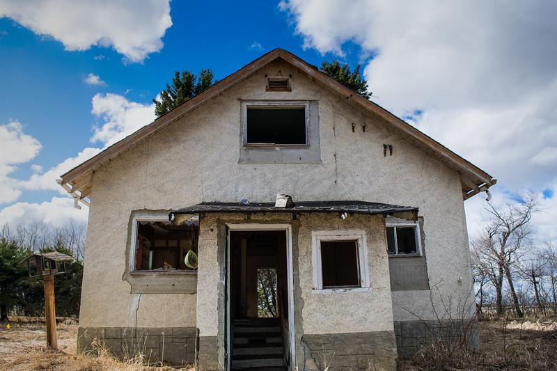 Bruised Farmhouse-Last Chirp