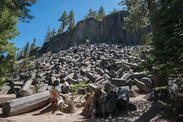 california; devils postpile national monument; geology; mammoth lakes; sierra nevada The formation (columnar basalt) came into being about 100,000 years ago by a lava flow.