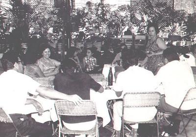 70-Andrada- Almoço de amigos na Estufa Narciso, Fernando Figueiredo, Mimi Veiga, Tomás, Laura Figueiredo, Afonso Veiga