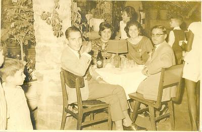 Estufa de Andrada _ Festa de estudantes 5/9/1964  Casal Portela e casal João Gonçalves, Misita Melo Abreu e Nelrique Patrone