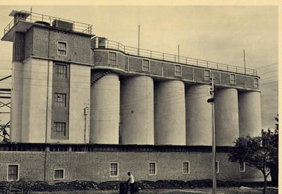 Andrada,1960 - edificio dos novos silos