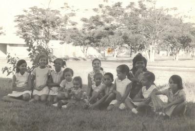 Familia Isaac Coelho e amigos em Andrada: Teresa Coelho, Olga, Nelita, Betinha (irmã da Olga), Djena Coelho, Inês Coelho , Quim, Irene Coelho, Rosinha,Celeste Coelho e Chico Coelho.