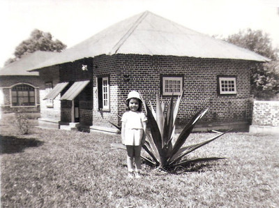 Isabel Ermida na sua 1* casa em Andrada ( k52?)