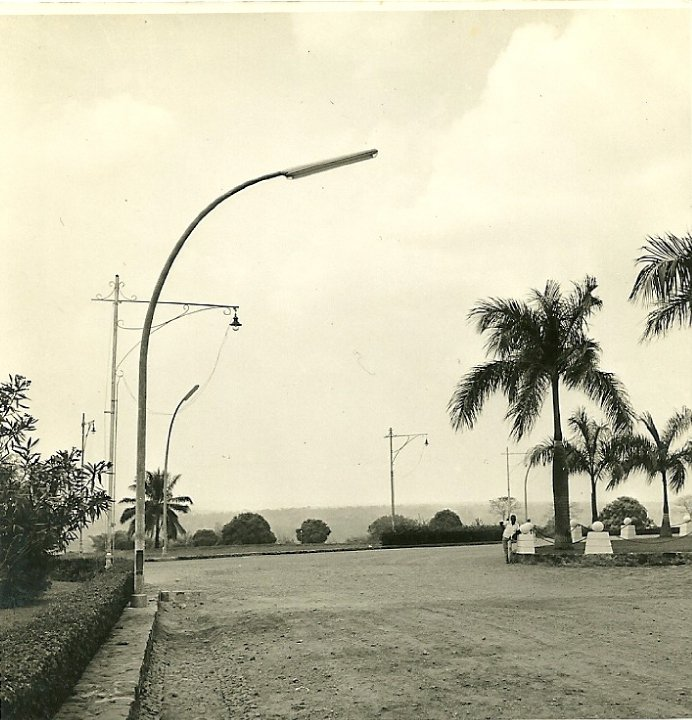 Dundo-remodelação da iluminação pública Esquina da K18