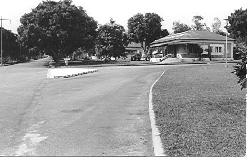 Em frente ao Museu. K 244