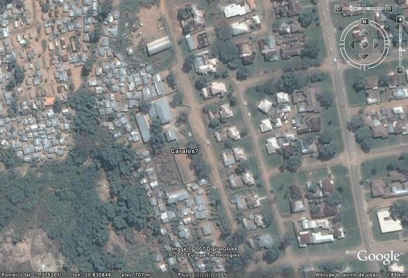 Vista satélite ( Google) da área dos cavalos