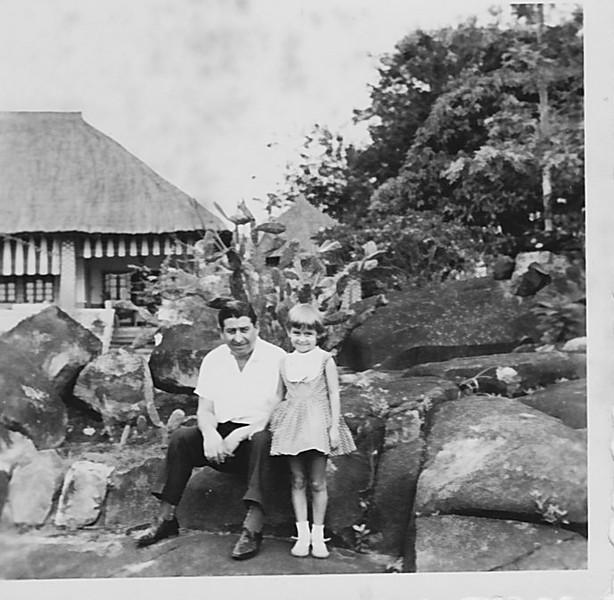 Cossa, 1963 manuel Tavares e filha Guida