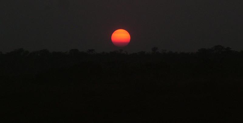 Lunda - Por do Sol