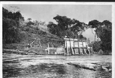 Primeiros trabalhos para a construção da Ponte de Camútuè
