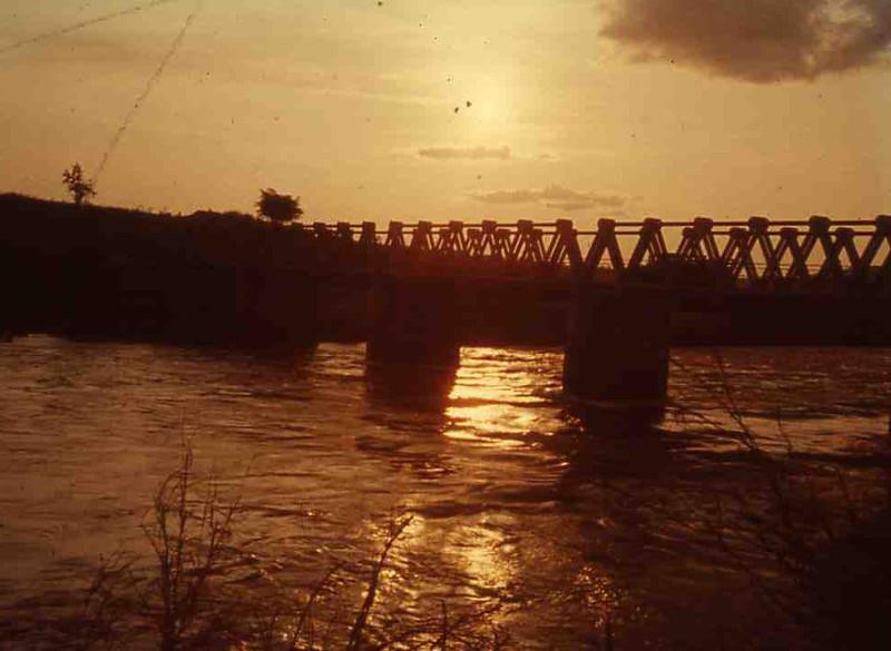 Ponte sobre o Luembe