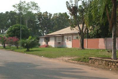 Dundo - Rua 10 - k10  (casa do Dr. Santos David)