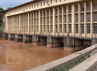 A centra hidroeléctrica no rio Luachimo.