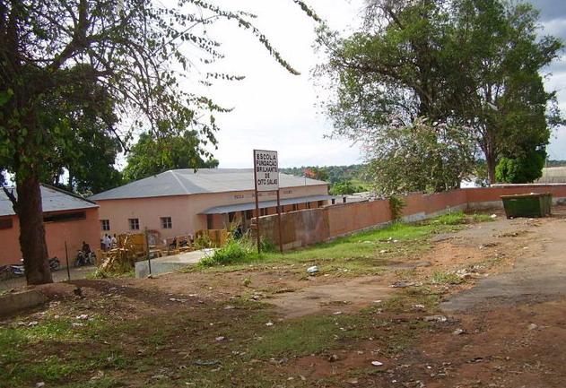 Dundo - Escola da Fundação Brilhante