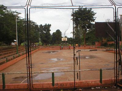 Campo de futebol de salao Nzagi 1998