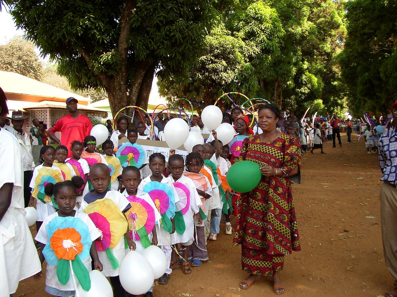 Abertura do Ano lectivo desfile de alunos