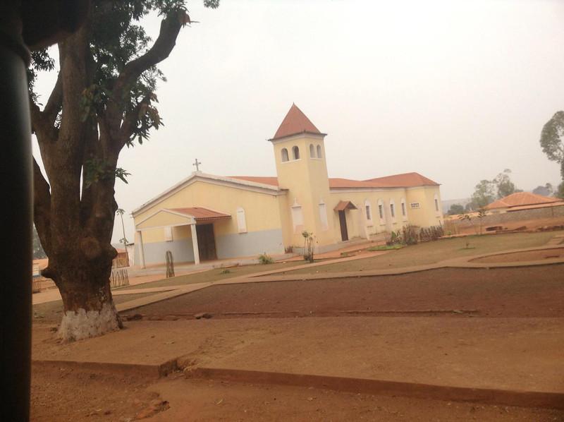 Agosto 2013 A igreja do Nzagi (ex Andrada)