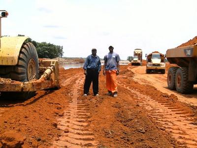 desvio do rio Luembe,na área do MD-5 - João Muauanda