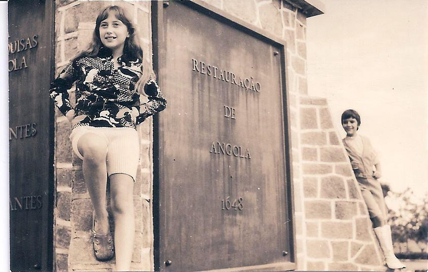 1972 - Dundo - Obelisco Ratocas (Duarte Santos) e Zezinha Gameiro