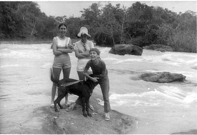 No Luachimo Bebé Ricardo, Zelinha , Beca e tico-tico