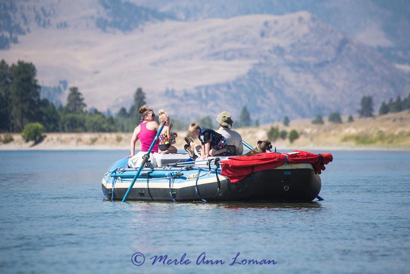 Sarah, Audrey, Carter and Ried is rowing. See the canopy...it came in really handy.