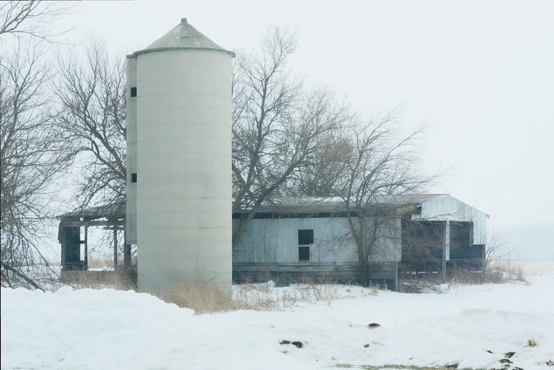 Barn with Silo001(001)