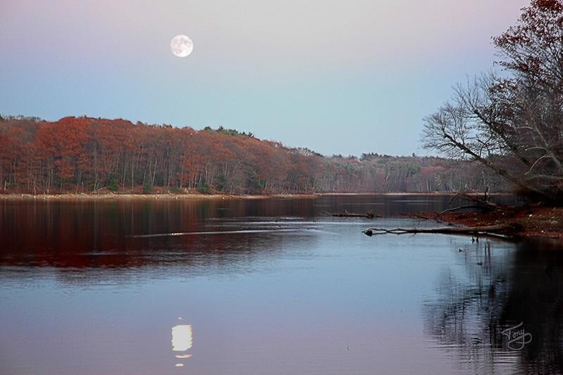 11/16/13 - Moonrise over Kenoza