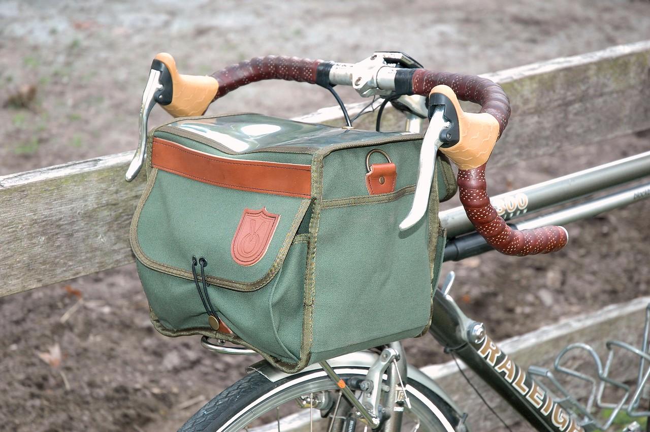 10/19/14 - Velo Orange Grand Cru Handlebar Bag and Pass Hunter Front Rack