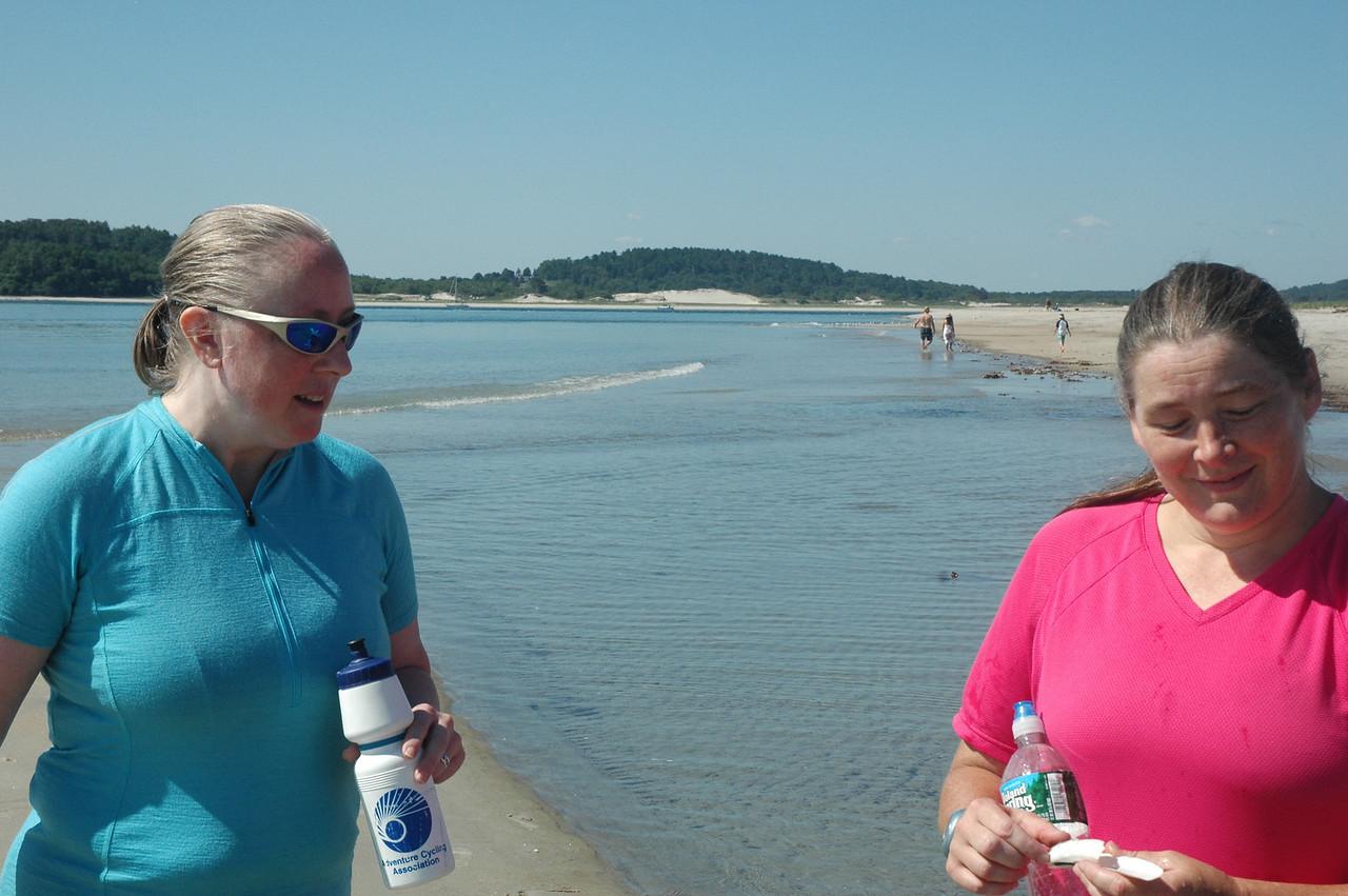 7/31/2011 - Sandy Point A Razor Clam!