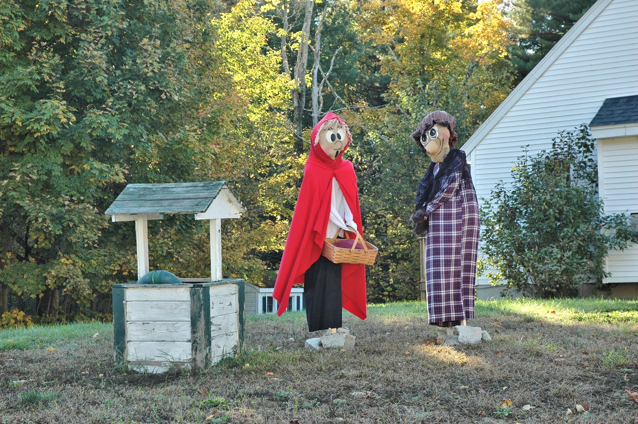 Little Red Riding Hood and... Grandma?