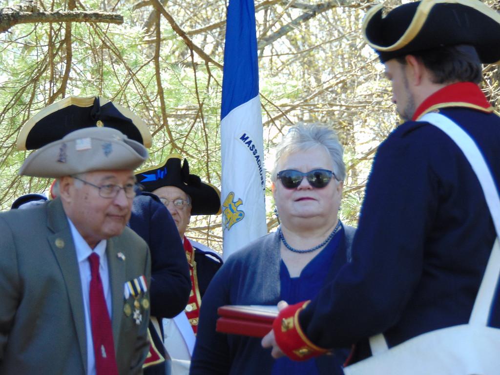 . John Raya (left), Bentley descendant Helen Davis, and Revere descendant Sean Conley at the ceremony.