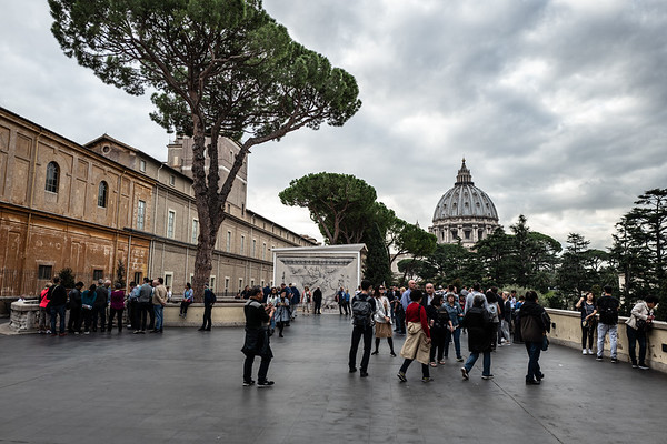 2018, Rome, walking to St. Peter's Basilica