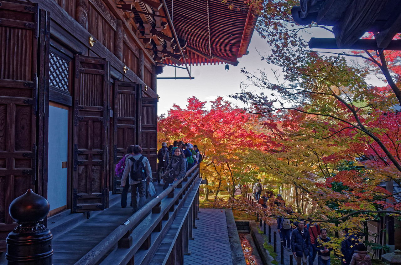 We would be remiss not to express our gratitude for the expert guidance we received—helping us negotiate our way to, from, and within this and other temples—from Nobuo Suzuki of Goodwill Guide on Kyoto Handicraft and Historical Sites, an affable companion and valuable source of information whose untiring efforts in leading us around Kyoto made our visit far more relaxed and rewarding than it might otherwise have been.