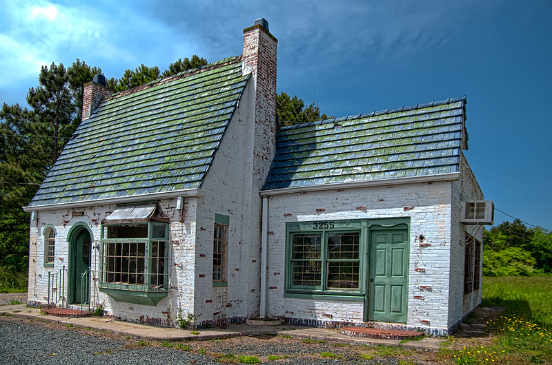 Abandoned Pure Oil building on Virginia's Eastern Shore – an hdr color image