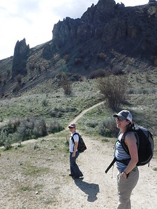 After lunch, Terri, Dabney and I were reunited and of course started off our reunion weekend with a hike.  Saddle Rock Mountain just outside of Wenatchee.