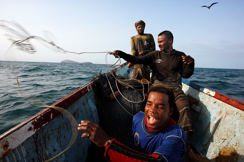 Fishermen from Bir Ali at sea.