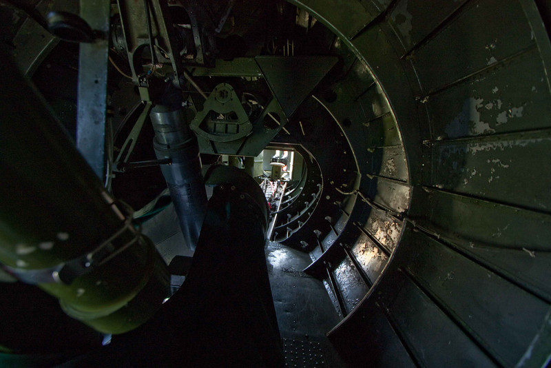 Crawl space to the tail gunner