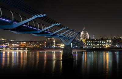 St Paul's Cathedral and Millenium Bridge - London (November 2018)