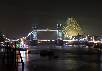 Tower Bridge - Fireworks - London (November 2018)