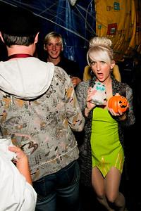 Halloween PARTYYYY!!1
