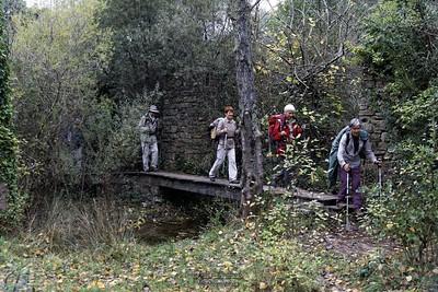 Rochecolombe, en route vers le pied de la cascade