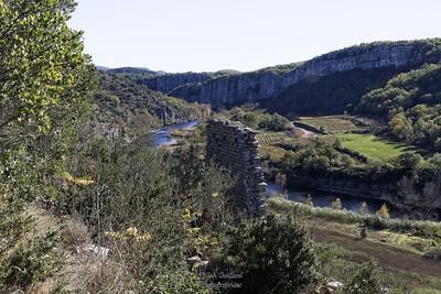 Montée à Cornilhon (village ruiné)