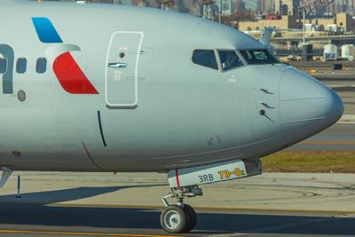 American Airlines Boeing 737 MAX-8 N304RB 11-29-17 13