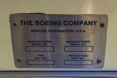 American Airlines Boeing 737 MAX-8 N304RB 11-29-17 17